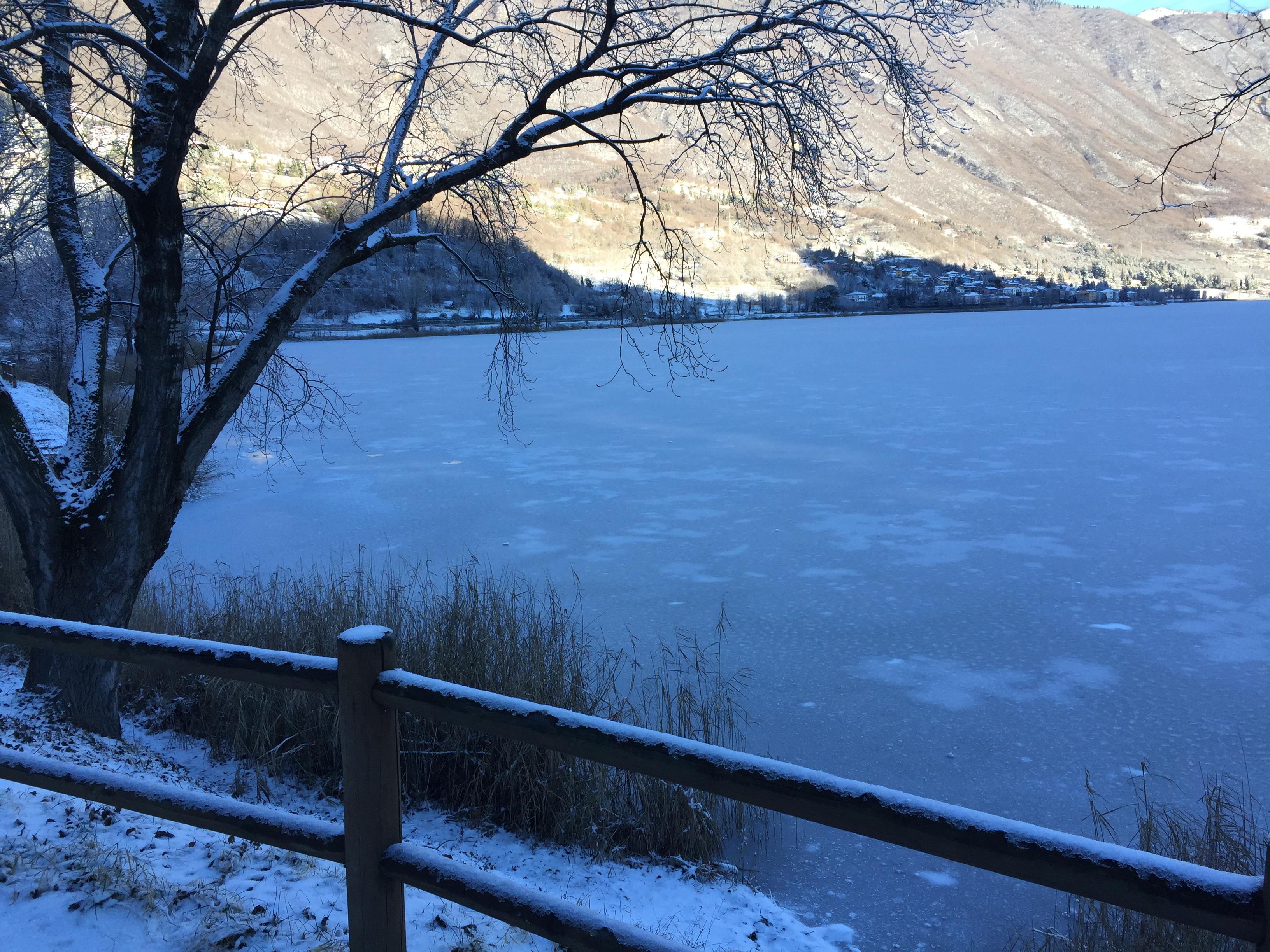 lago ghiacciato Ranzanico