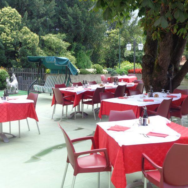 Pranzo e cena all'aperto